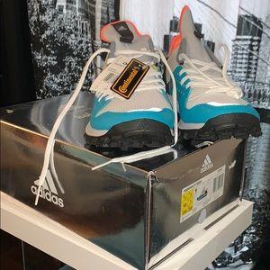 Adidas Sneakers Sz 7 1/2 men Sz 9 women